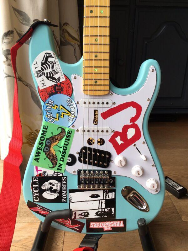 Billie Joe Armstrong 'Blue' replica guitar Green Day