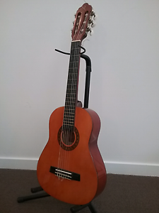 Kids size (1/4) Valencia nylon string classical guitar Underwood Logan Area Preview