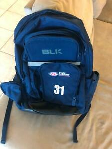 AFL bag w lots of compartments