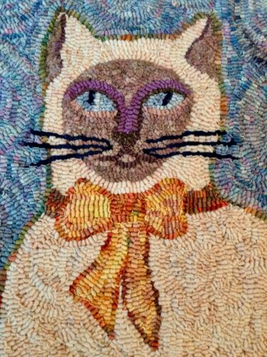 """Absolutely Gorgeous Cat Hand Dyed Hand Hooked Rug 34"""" x 24"""""""