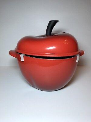 Le Creuset Cast Iron/Enamel 2 QT Dutch Oven Red Cherry Apple Cocotte w/ Box