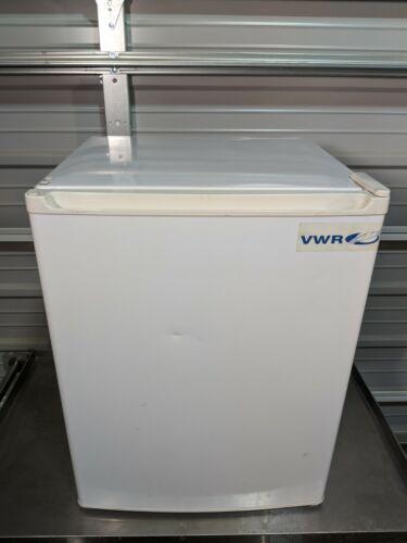 VWR Sanyo SR-2570W Undercounter Refrigerator / TESTED