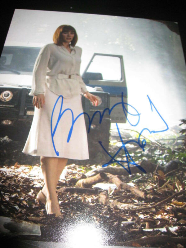 BRYCE DALLAS HOWARD SIGNED AUTOGRAPH 8x10 JURASSIC WORLD PROMO COA AUTO RARE F