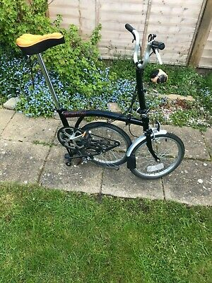 Brompton 3 speed folding bike black pre-owned good condition