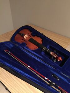 Children's Violin 18 inches long in case