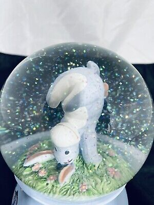 """Winnie the Pooh and Eeyore snow globe 2 pounds 4 1/2"""" x 6 1/2 2 pounds perfect"""