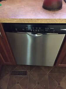 Dishwasher 18 months old stainless steel in yorkton