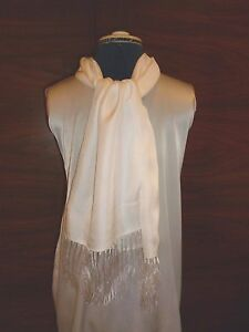 100% silk men's cravat/scarf White with fringes NEW