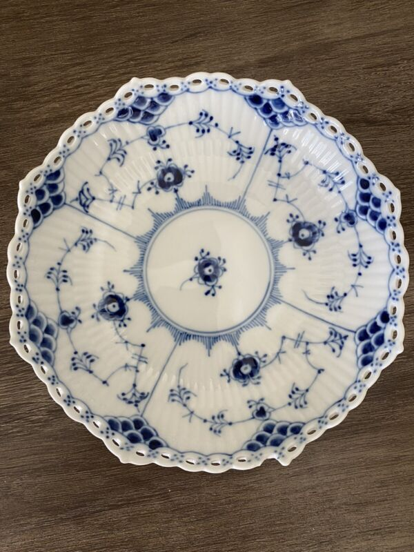 Royal Copenhagen Serving Bowl #1023 XD Blue Fluted Low Foot Full Lace ~Chipped