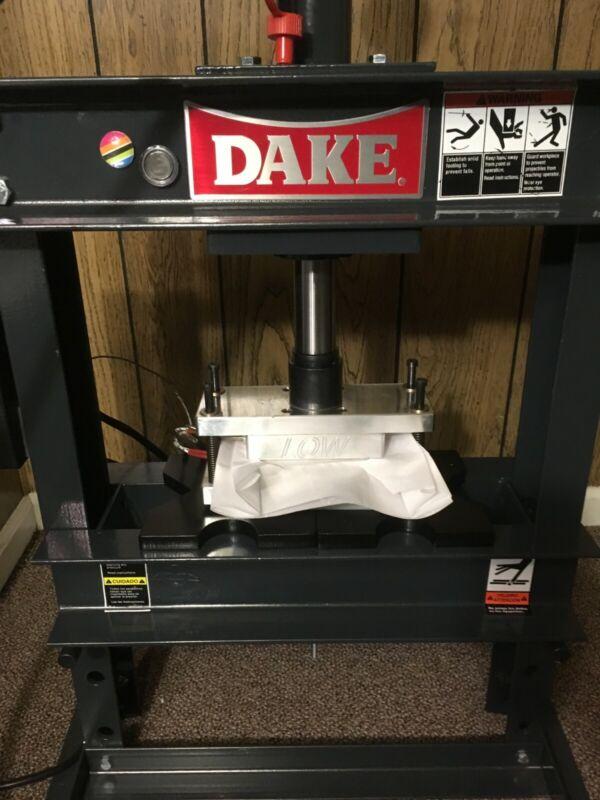 "Dake 10 Ton Press with 3"" x 5"" LowTempPlates"