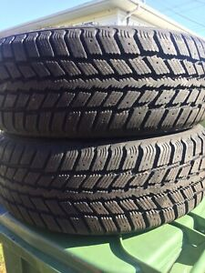 P215/60/16 inch Winter Tires / LOTS OF TREAD / GOOD DEAL