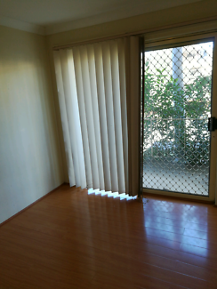 Single or Couple Room in Westmead near train station