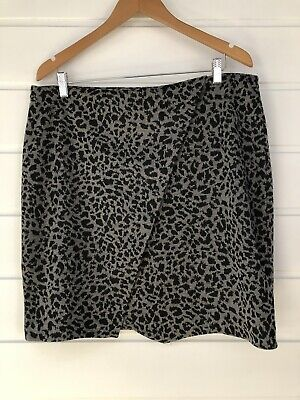 Print Woven Skirt (SUSSAN Grey Leopard Animal Print Woven Stretch Skirt - XL)