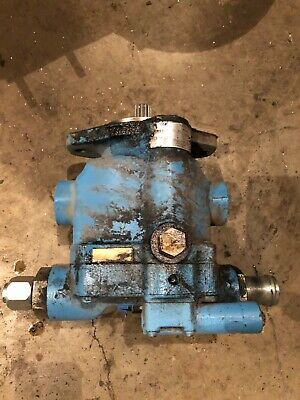 Oliver Tractor Hydraulic Pump 1755185519552255white 2-1052-135