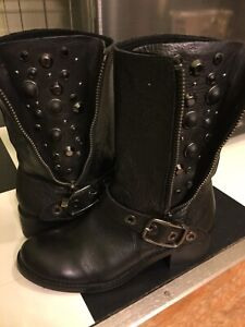 VINCE CAMUTO leather boots  8.5 black leather