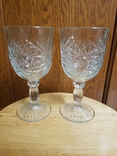 Set of 2 Clear Glass Goblets