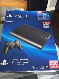 PlayStation 3 250gb with 2 controllers + 4 ganes
