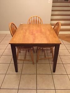 Kitch table  3x chairs
