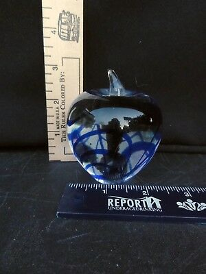 Crystal Apple Paperweight With Blue Swirls   Really Nicely Detailed
