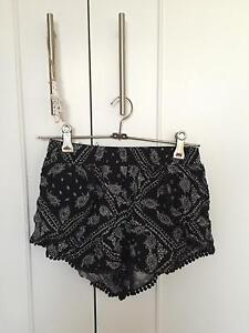 Black Printed Flowy Shorts (Size 6) Killarney Heights Warringah Area Preview