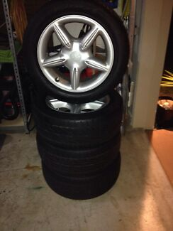 4 alloys with good tyres suit Holden commodore Kippa-ring Redcliffe Area Preview
