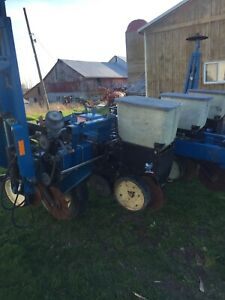 Kinze Corn Planter | Kijiji in Ontario  - Buy, Sell & Save