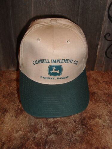 CALDWELL IMPLEMENT CO. GARNETT,KANSAS JOHN DEERE  SNAPBACK CAP HAT NWOT