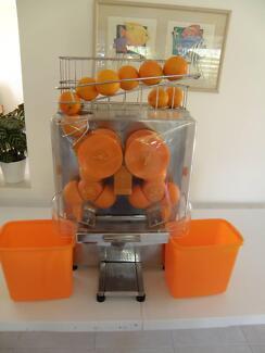 Commercial Orange Juicer & Bottles Golden Beach Caloundra Area Preview