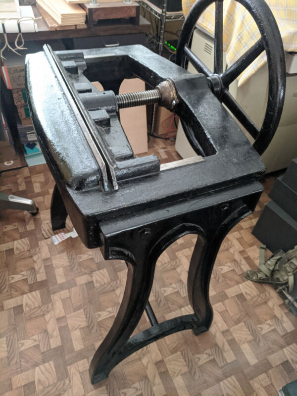 Bookbinding - Job Backer Press - 22.5""