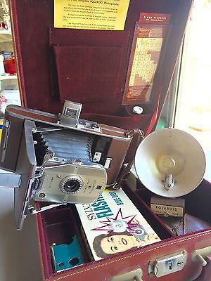 Polaroid Land Camera Model 95 / Leather Carrying Case / Flash / Vintage