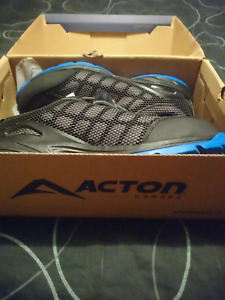 Brand New Acton Work Boots Size 9.