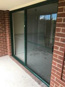 Aluminium sliding door