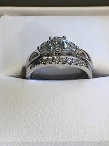 18k White gold diamond engagement/wedding ring bridal set Cranbourne Casey Area Preview