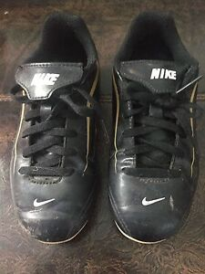 Youth soccer cleats size 12
