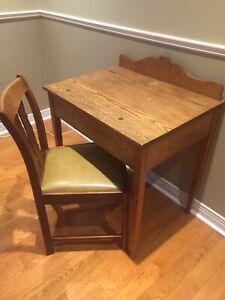 Antique Oak Desk with Oak Chair - Lift Top with Storage