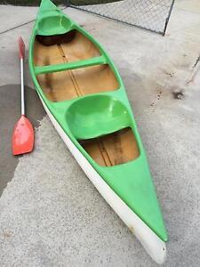 Canoe fibreglass 13 ft seats 2. Meldale Caboolture Area Preview