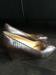 Nine West wedge heel shoes very good condition