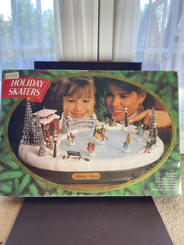 Mr Christmas Holiday Skaters Musical Animated Victorian Ice Rink Missing 1 Piece