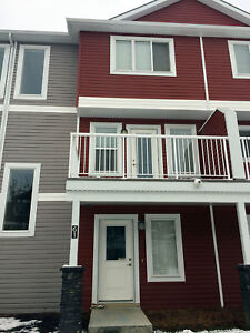 3 Bedrooms Double Attached Garage Townhouse in Rutherford