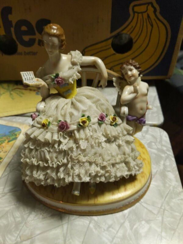 reading,lady & cupid, Dresden,Lace,Collectible,Volkstad,Germany,flower,victorian