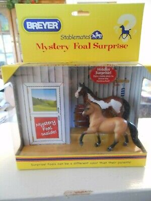 Breyer HORSE #5938 Stablemates 1:32 Mystery Foal Surprise Paint And Buckskin