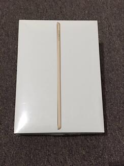 9.7-inch iPad Wi-Fi 32GB - Gold 2017