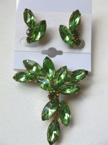 Vintage Gold Tone Green Rhinestone Brooch & Clip on Earrings