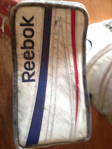 Reebok Premier 4 Goalie Gloves Kitchener / Waterloo Kitchener Area image 7