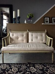 Gorgeous Settee Chair.