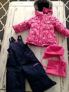 New Oshgosh snowsuit 18 months