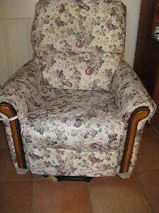 ELECTRIC LIFT CHAIR Middle Ridge Toowoomba City Preview
