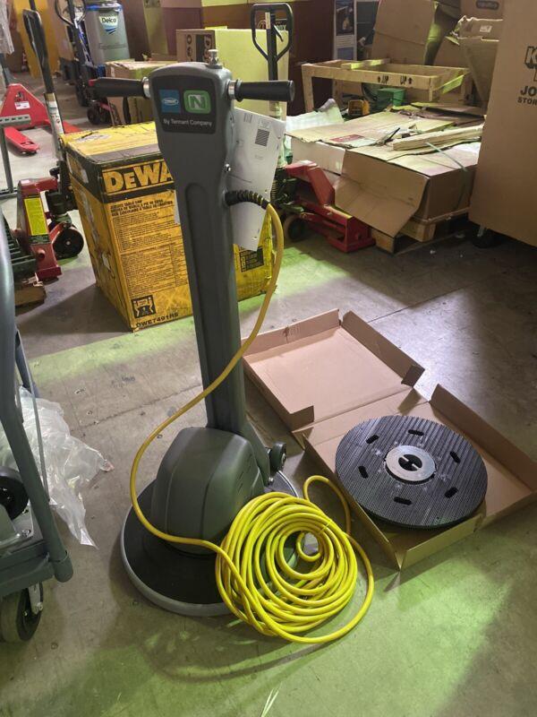 "TENNANT 9007334 Floor Scrubber/Polisher Dual Speed 20"" 0.5606 RPM Brush Speed"
