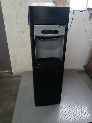 Follett 15fs100a 125 Lb Freestanding Ice Water Dispenser Ice Maker