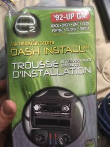 Dual Car stereo with dash install kit for 92 and up